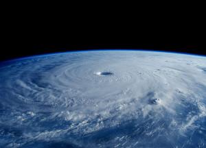 Taifunul Maysak văzut de pe Stația Spațială Internațională. Sursa: Wikipedia.