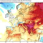 Anomalia temperaturilor la nivelul standard de 2 metri preconizata pentru dupa-amiaza zilei de miercuri. In sudul tarii se vor inregistra abateri termice pozitive de pana la 15-17 grade Celsius fata de media climatologica a perioadei! Sursa: tropicaltidbits.com, model GFS.