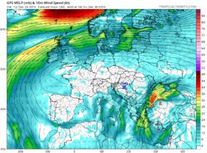 Estimarea vitezei vantului pentru seara zilei de vineri. In sud-est vantul va sufla foarte tare, cu rafale de pana la 80 de km/h, ca urmare a influentei unui nucleu depresionar situat in bazinul vestic al Marii Negre. Sursa: tropicaltidbits.com, model GFS.